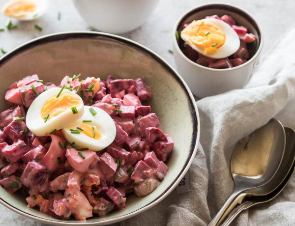 Egg beetroot salad with chives   everydayhealthy.net