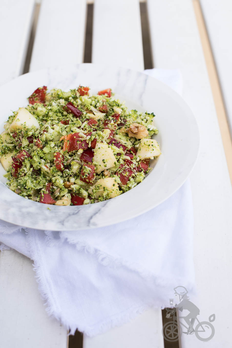 Broccolisalade met appel en paprika | everydayhealthy.nl